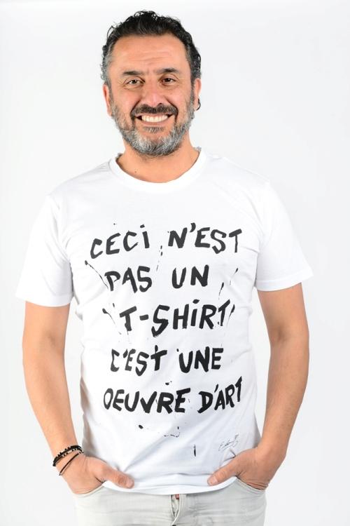 t shirt artiste message blanc ceci n'est pas