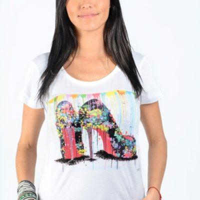 t shirt artistique femme escarpins blanc